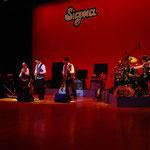 シグマ40周年記念コンサートも「キャラバン」で幕を閉じます。