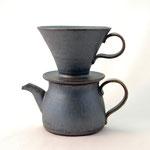 黒釉コーヒーサーバー 上部口径12.5cm x 高さ10cm 下部口径10cm x 高さ9cm
