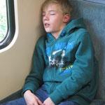 Eine Schnarchnase im Zug