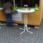 Markthütte mit Tisch