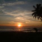 ゴールから見るインド洋の夕日