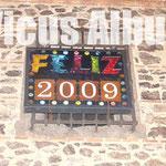 Campanadas para recibir al 2009 desde el reloj de la Iglesia de la Antigua (foto: vicusalbus.org)