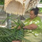 Die Kunst des Palmenblätterflechtens