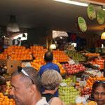 Faszinierender Gemüse- und Früchtemarkt in Port Louis, Mauritius