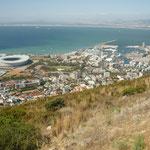 Aussicht von Signal Hill auf das Stadion und auf die Marina, Cape Town