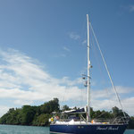 Sweet Pearl vor Anker in Port Resolution auf Tanna, Vanuatu