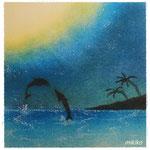 夜の海とイルカ