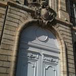 Oh le beau portail  sur les quais de Bordeaux