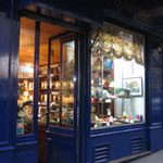 Aurore et Capucine, old fashion pastry shop in the 9th