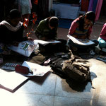 Students sketching in a Delhi Market