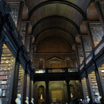 """Long Room"" der Old Library - 64m lang, 14m hoch"