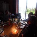 Beim Geburtstagskerzen auspusten