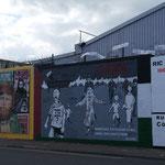 Auch hier erinnern Grafitti-Mauern an die Geschichte