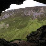 In der ersten Höhle.