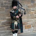 Du weißt, du bist in Schottland wenn du Dudelsack Spieler siehst!