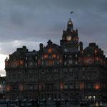 Edinburgh in der Dämmerung