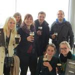 von links nach rechts: Lisa, Marina, Teresa, Niklas, Martin und vorne Katharina mit mir