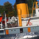 """9.  _Stettin Eisbrecher_ 1933 als grösster Eisbrecher in Dienst gestellt. Seit 1982 als technisches Kulturdenkmal anerkannt und anliegend als Museumsschiff im Museumshafen """"Neumühlen/Övelgönne""""."""