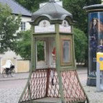 eine alte telefonzelle
