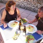 Abendessen auf der Sonnenterrasse, Hotel- Pension Enzian Todtnauberg