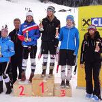 Katrin ganz oben am Siegerpodest und Julia auf dem 4. Rang