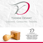 Passender Stempel zum Corporate Design von Yvonne Devant.