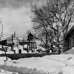 """фото сделано до 1932 г (в 1932 за ним построют банк """"Хоккайдо Такусёку"""")(юг)"""