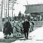1910-1915 | Церемония в храме (северо-восток)
