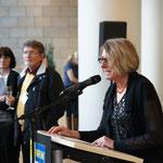 Ingola Schmitz (kulturpolitische Sprecherin der FPD) gespannt zuhörten.