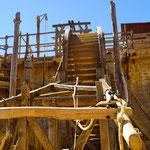 2016 Guédelon   .. sie bauen eine Burg... mit kräftiger Unterstützung....