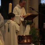 Proclamation de l'Evangile par le diacre Gilles Dauphin