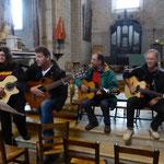 Le groupe Libertad joue une chanson spécialement composée par Joseph pour l'occasion
