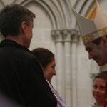 Edwige Étienne, de notre paroisse, est heureuse de recevoir ce sacrement aux côtés de son parrain, Renaud Jules (on ne voit pas la marraine Sr Jane)