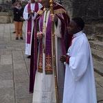 Fin de la célébration sur le parvis de la cathédrale