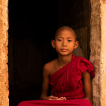 Novice monk at the Thet Kya Muni pagoda in Nyaung U, Myanmar     © Stephan Stamm