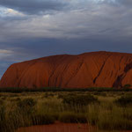 Uluru from the west at sunset (Uluru Kata Tjuta Nationalpark, Northern Territory, Australia) © Stephan Stamm