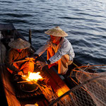 Fishermen brewing tea on the Inle Lake, Myanmar     © Stephan Stamm