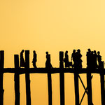 U-Bein bridge in Amarapura - longest and oldest teak wood bridge of the world, Myanmar     © Stephan Stamm