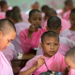 Novices eating at the women's section of the Kalaywa Monastery in Yangon     © Stephan Stamm