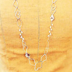 cloud-shaped silver chain necklace with freshwater pearls 雲形シルバーチェーンネックレス:シルバー、淡水パール