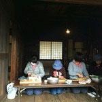 豚汁などをつくる料理チーム