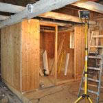 Die Wände werden provisorisch aufgestellt um zu sehen, auf welche Größe wir die Sauna umbauen wollen.