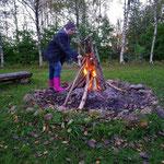 Noch eine Gemeinsamkeit: Tanja und ich sind Lagerfeuerteufel. ;-)