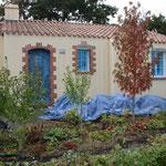 Huis afgeplakt en planten afgedekt