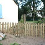 Het hekje tussen voortuin en achtertuin