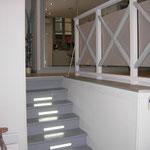 Escalier encloisonné et garde corps
