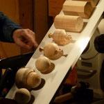 an Hand einer Mustertafel angefertigt