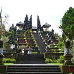 Pura Beakih - Muttertempel - Temeplanlage mit vielen kl. Tempeln jedes Dorfes und jeder Kaste