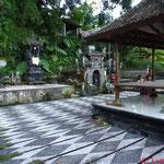 Wasserpalast Taman Tirta Gangga  hier: heilige Quelle - Ursprung im Ganges