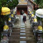 Aufgang zum Kloster